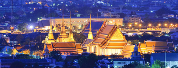 Bangkok-Wat-Pho-(nightime)